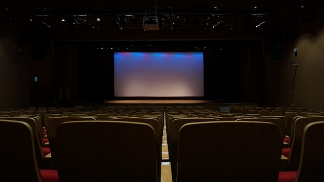 wpid-theatre_603076_640_640