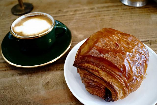 Chocolate_Croissant_at_Mademoiselle_Colette_2C_Menlo_Park_42_640